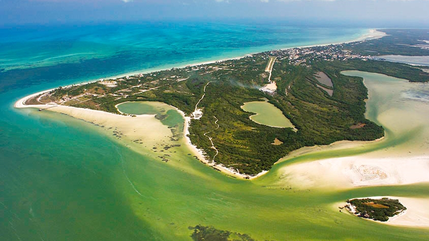 Scenic Flights by planet in Holbox