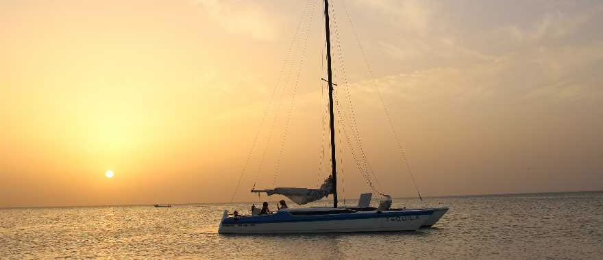 Catamaran Sailing Holbox Tour, Holbox Tours